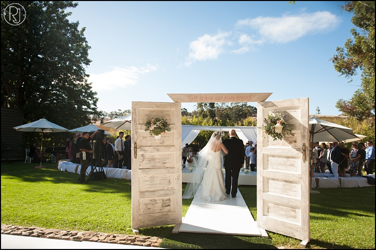 RubyJean-photography-TheDairyShed-Wedding-T&S-968