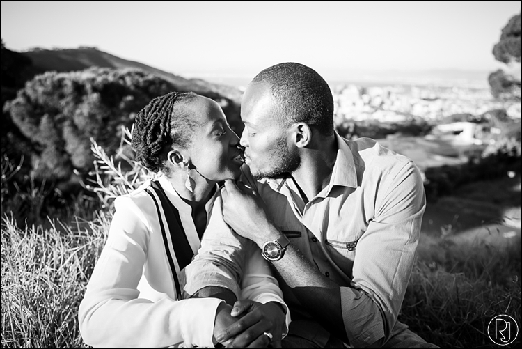 RubyJean-Photography-SeaPoint-TableMountain-Engagement-J&A-244
